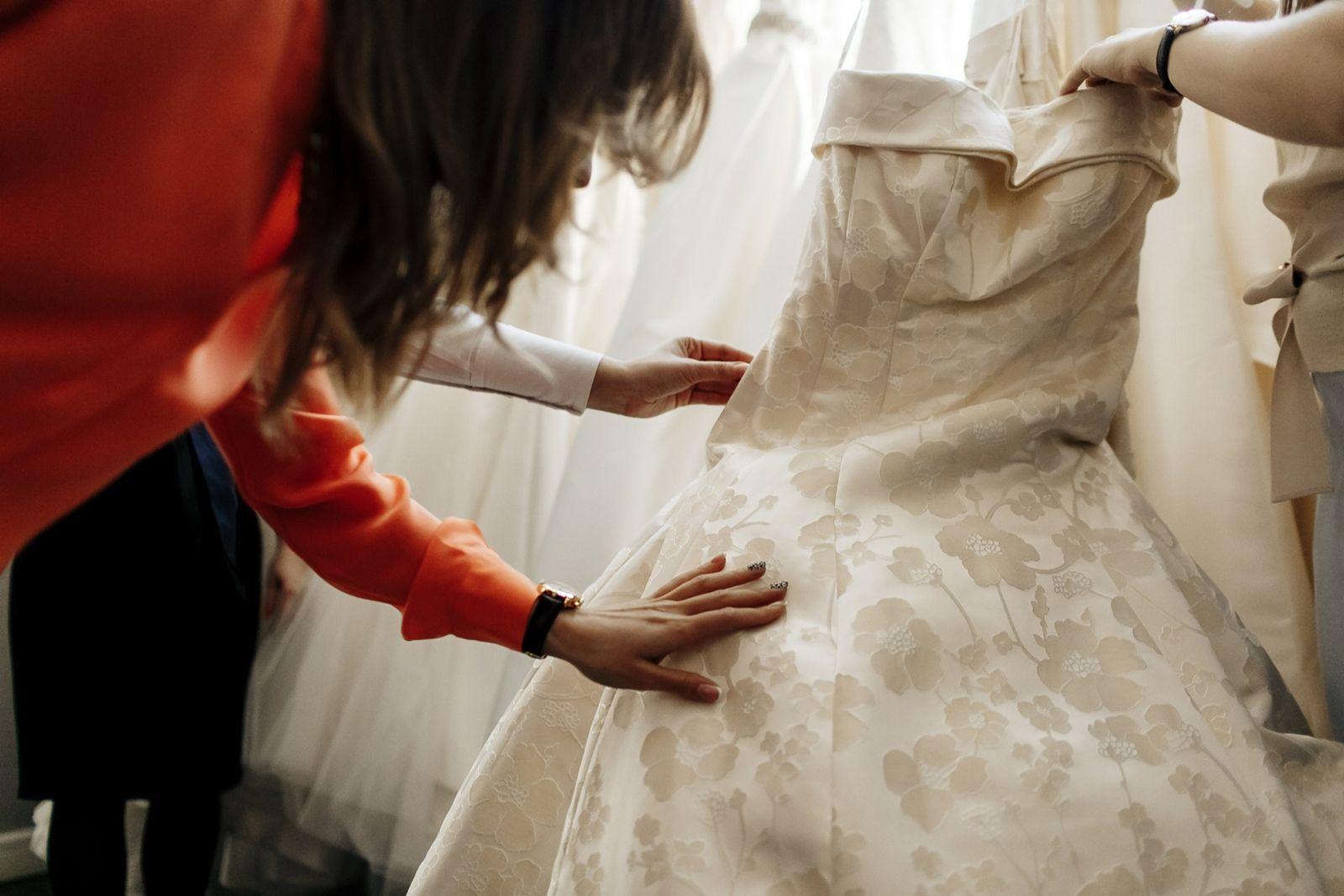 примерочная свадебное платье