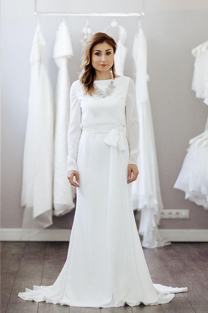 Маргарита Позоян в белом платье