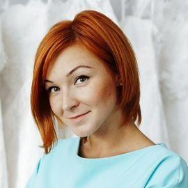 Анна Комарова