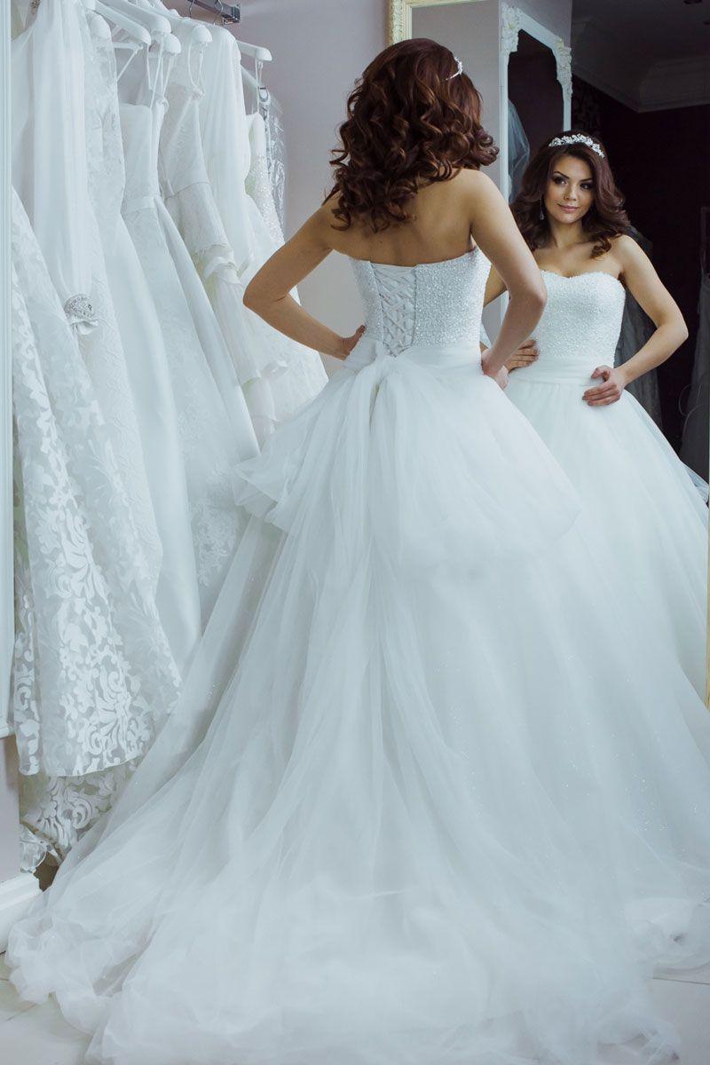 какую прическу выбрать на свадьбу