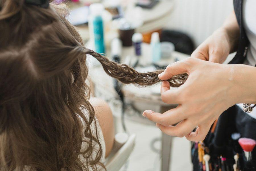 прическа на свадьбу косы