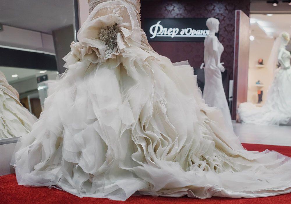 Образ вокалистки Анастасии Беляевой для свадьбы на природеОбраз вокалистки Анастасии Беляевой для свадьбы на природе