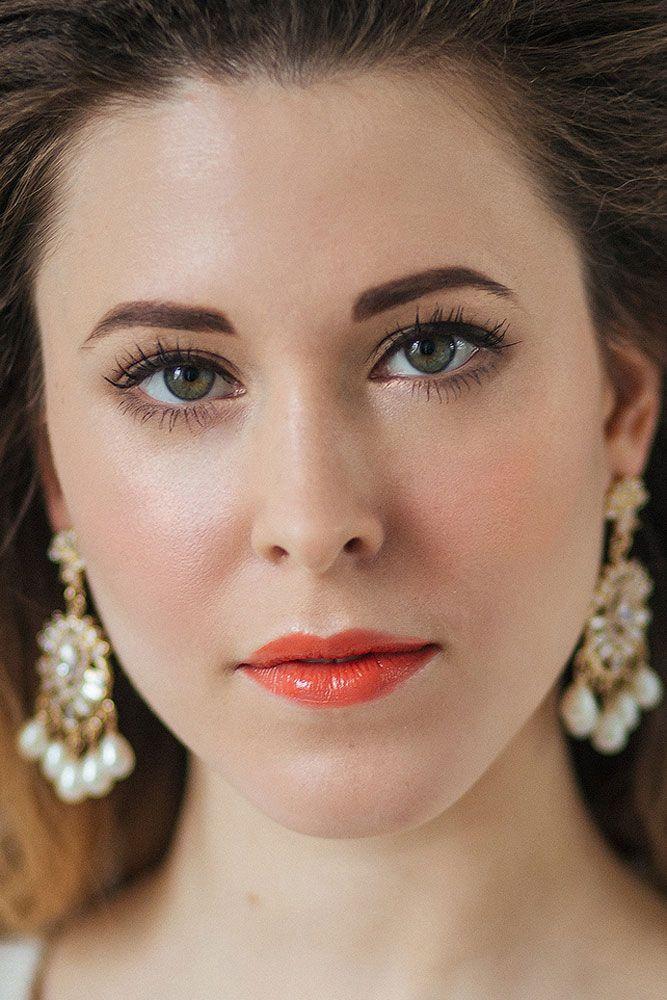 натуральный макияж невесты яркие губы