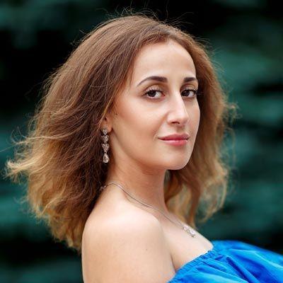 Анна Газарова