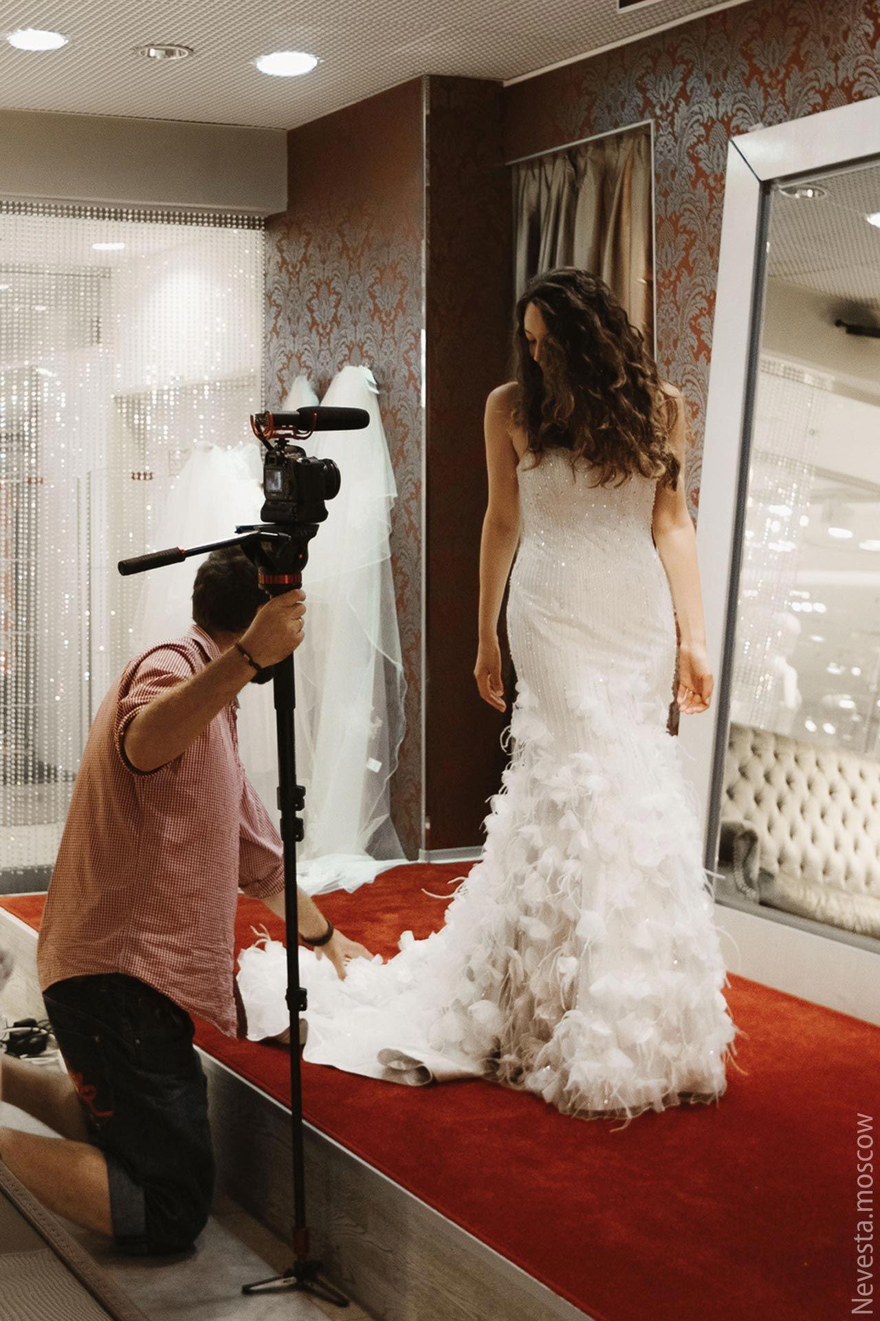Рената Байкова примеряет свадебное платье фото 20