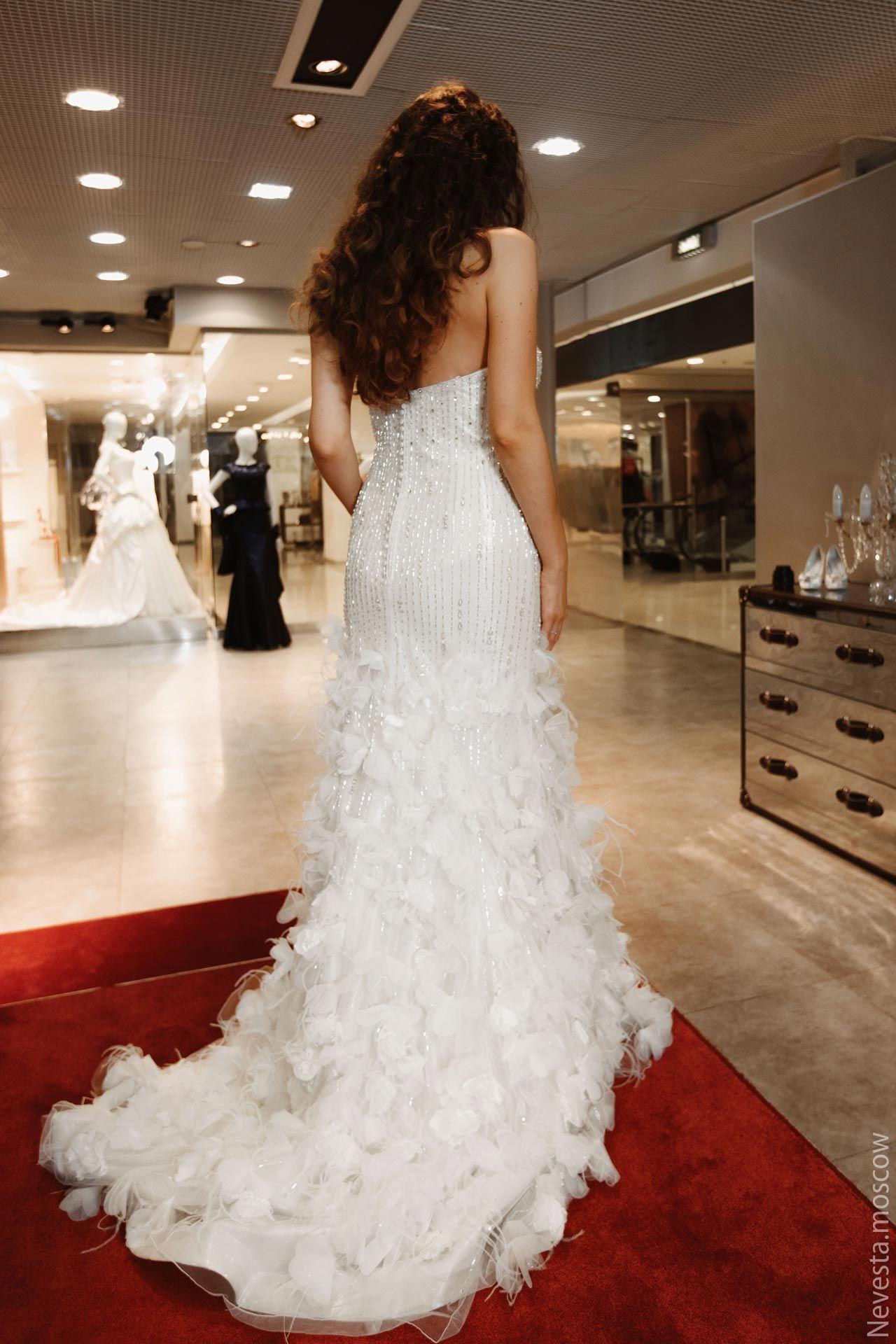 Рената Байкова примеряет свадебное платье фото 4