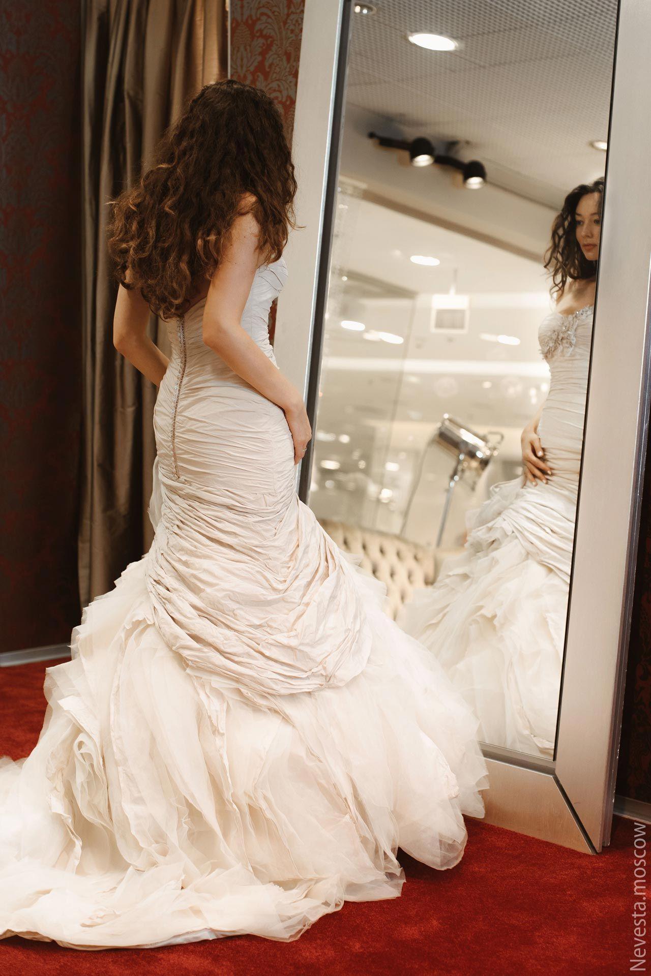 Рената Байкова примеряет свадебное платье фото 7
