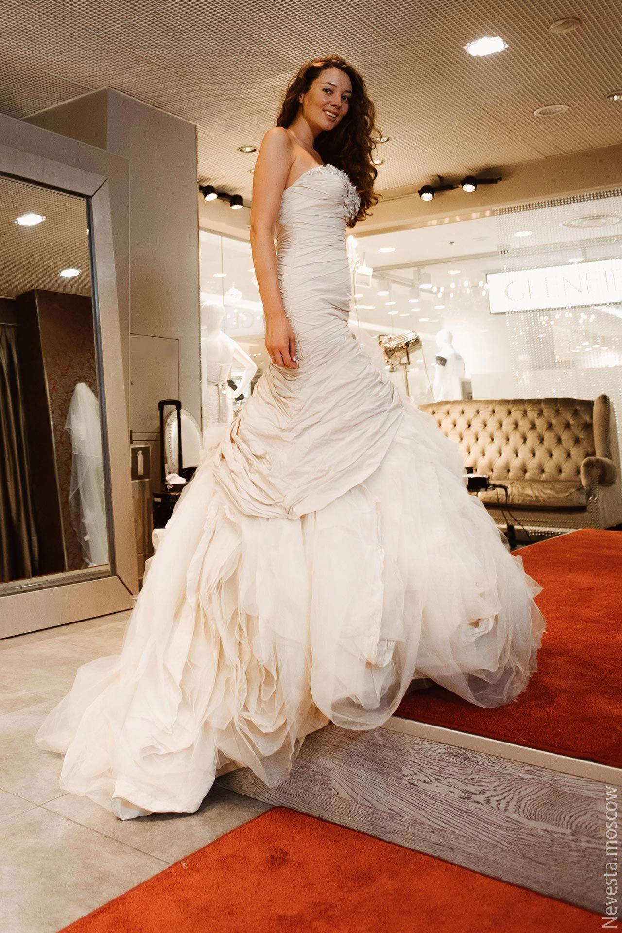 Рената Байкова примеряет свадебное платье фото 6