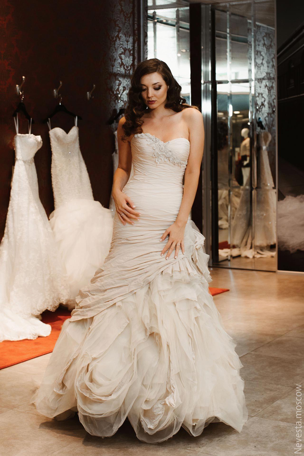 Рената Байкова примеряет свадебное платье фото 12