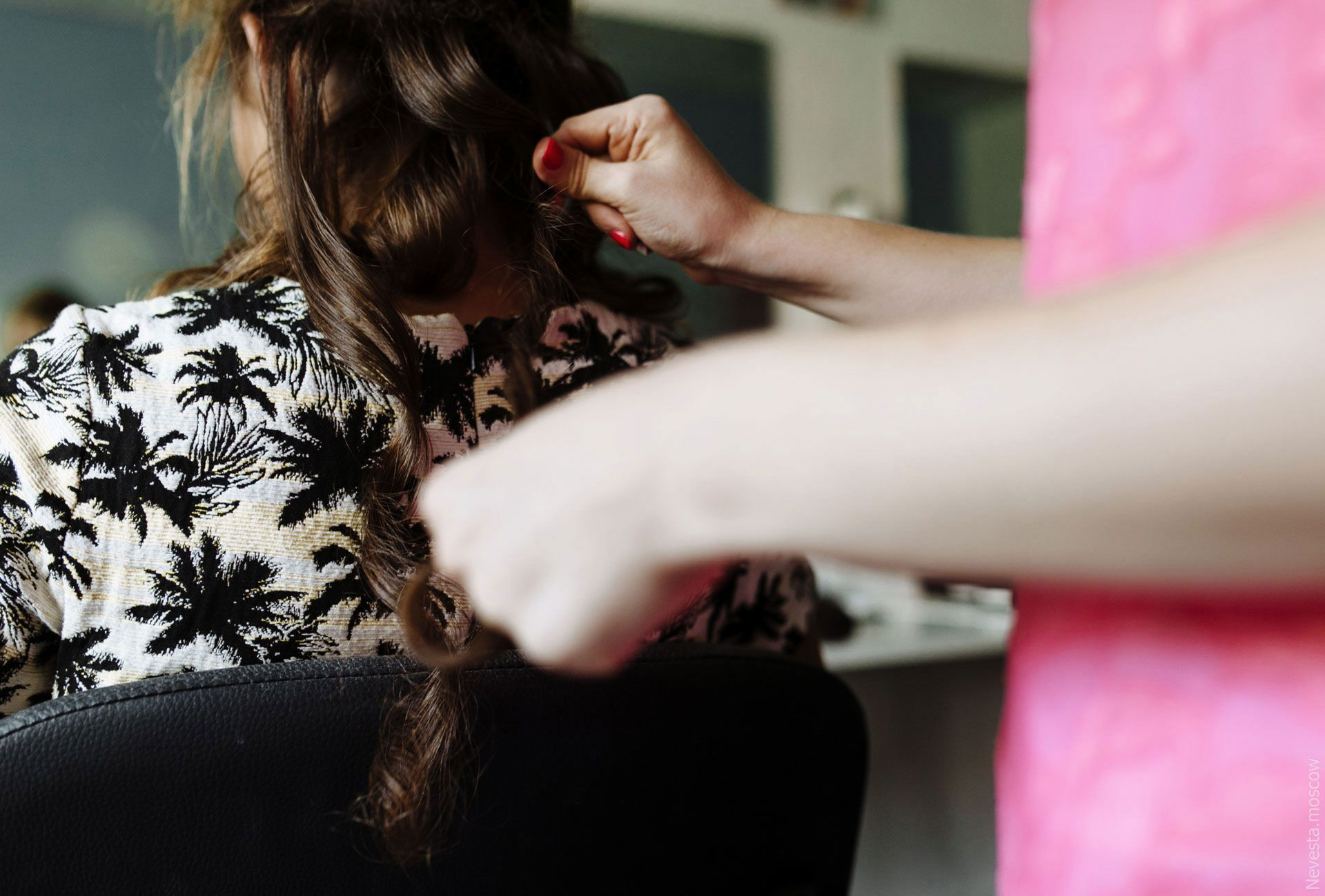 Сиренево-фиолетовая гамма, стрелки, макияж стилист, фото 5