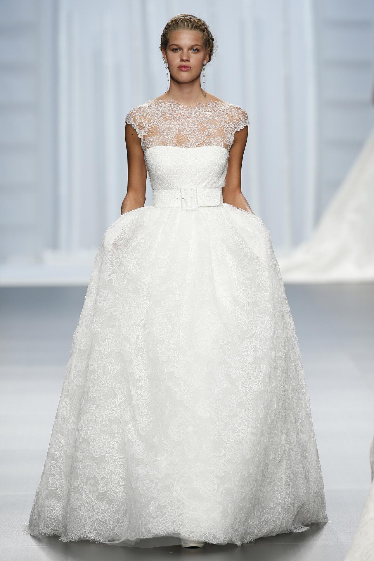 Пышное свадебное платье. Силуэт «бальное платье»Пышное свадебное платье. Силуэт «бальное платье»