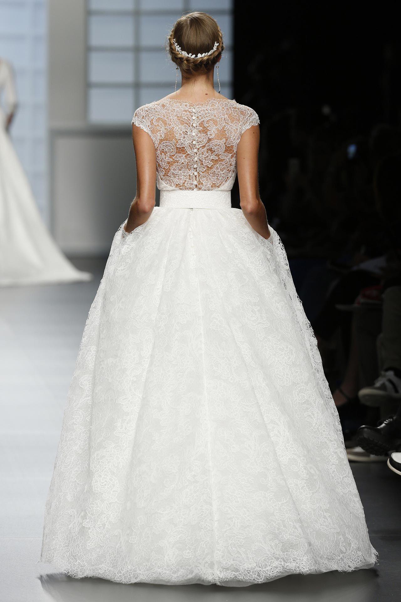 Пышное свадебное платье. Силуэт «бальное платье»