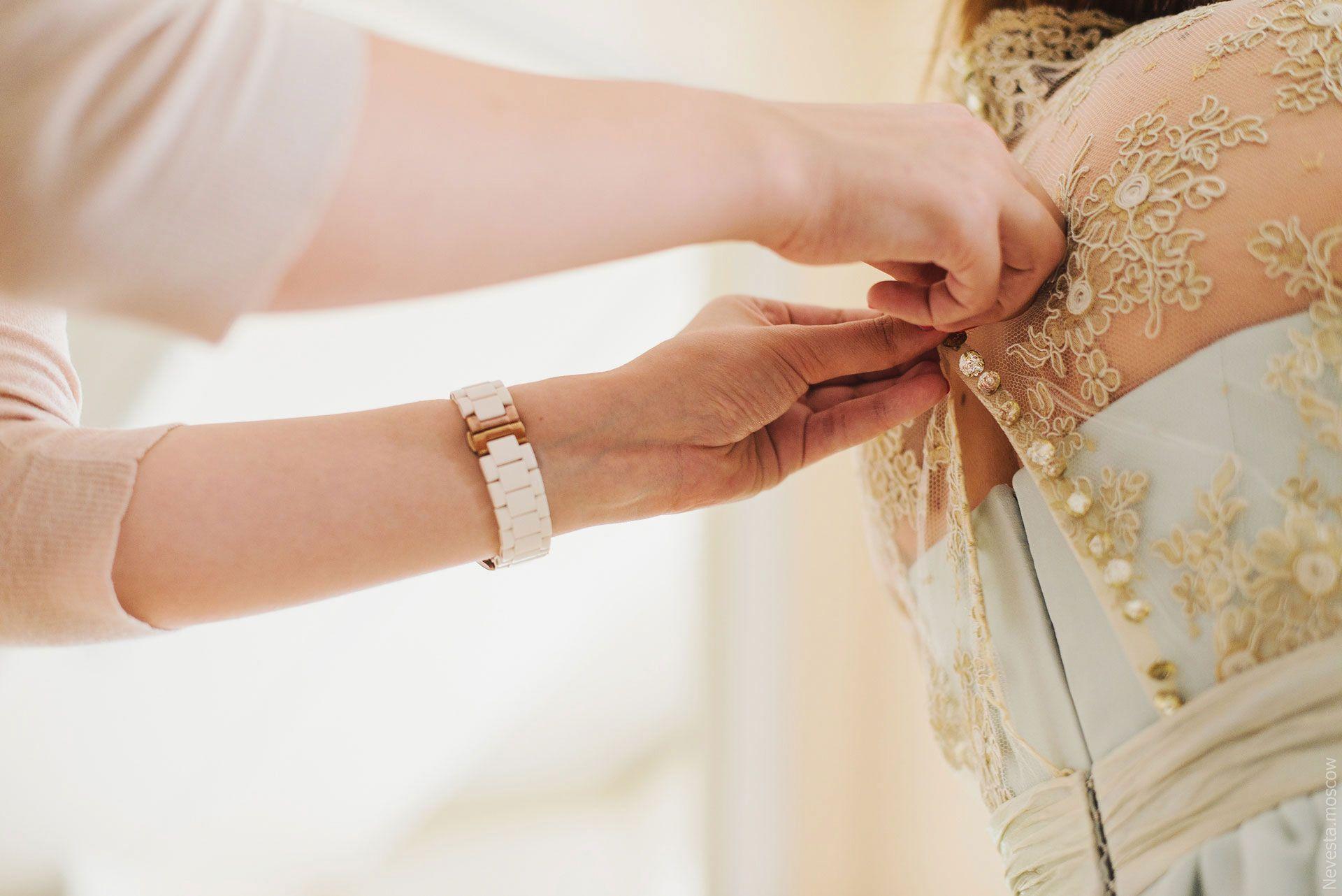 Анастасия Денисова примеряет свадебное платье фото 13