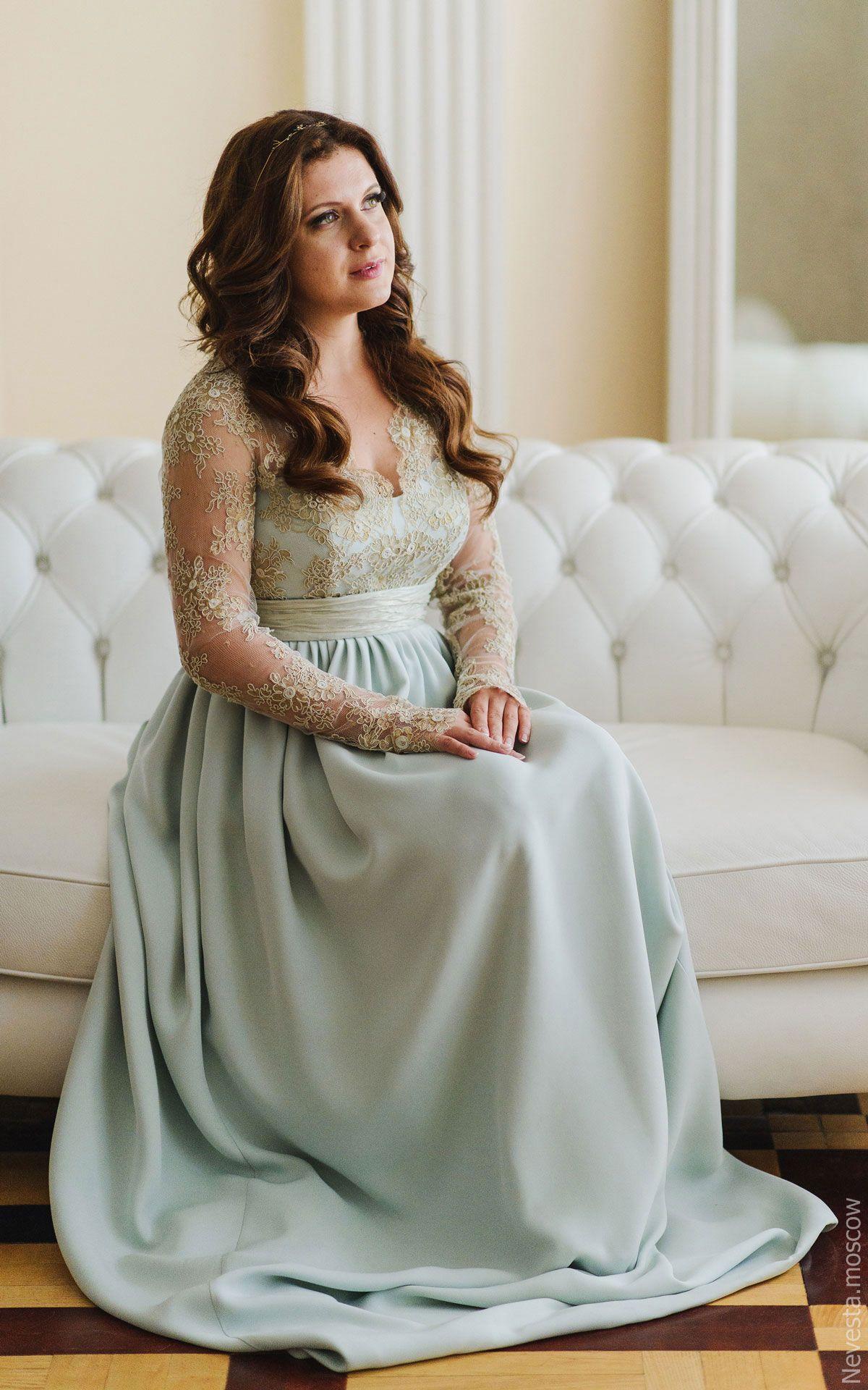 Анастасия Денисова примеряет свадебное платье фото 8