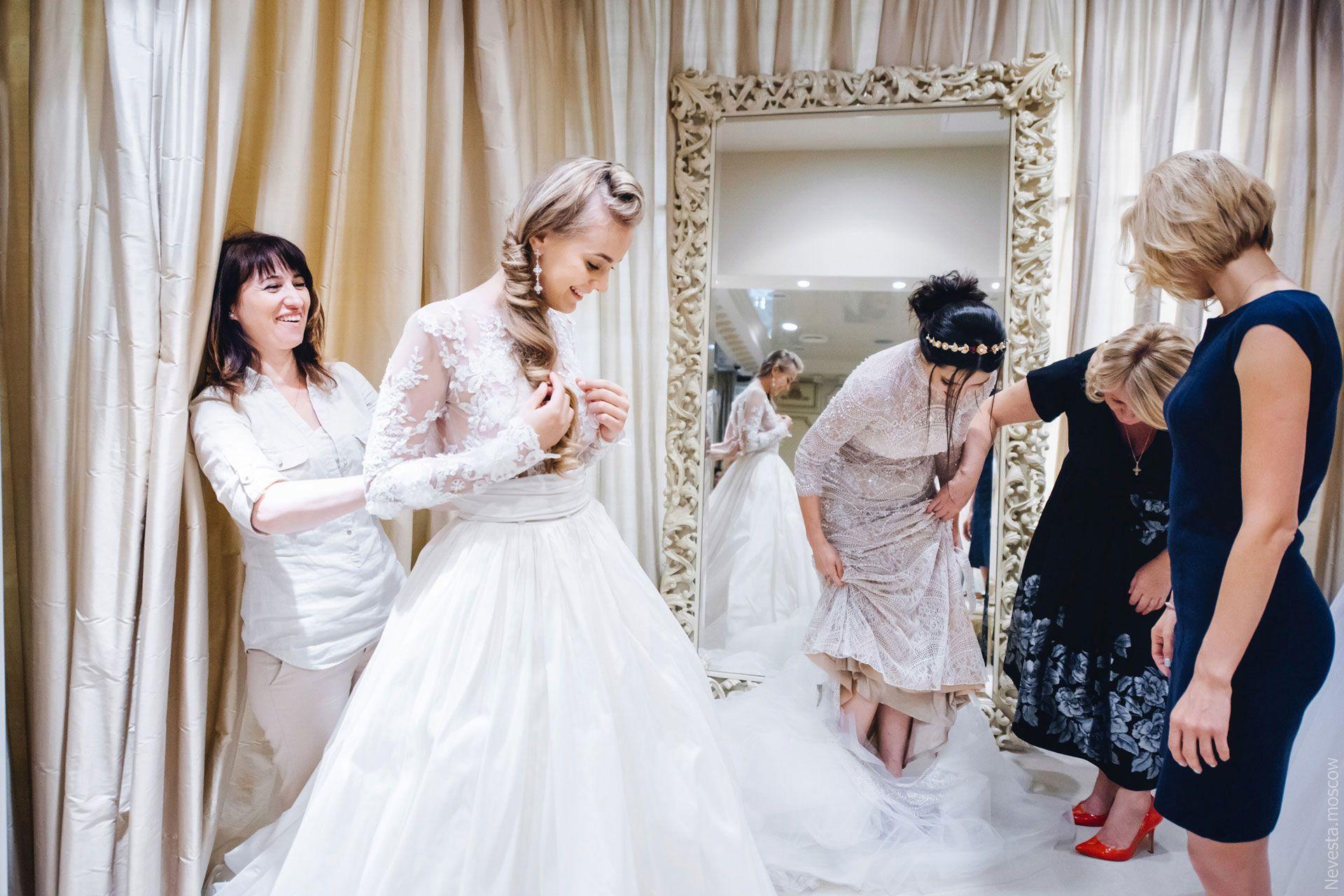 Поиск идеального свадебного платья в салоне Wedding rooms фото 4