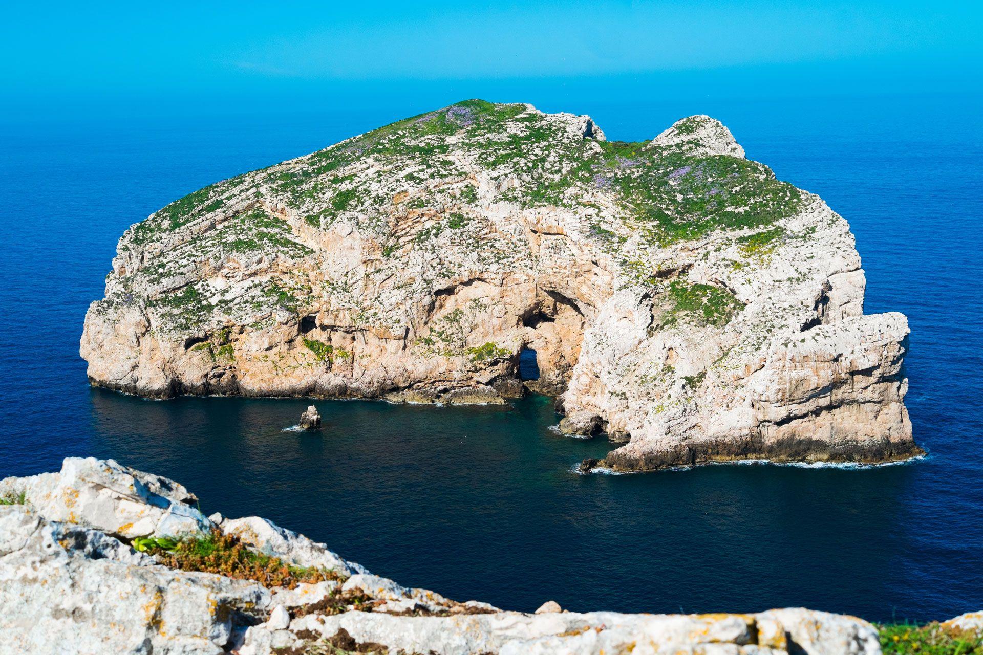 Сардиния: красочный остров в Италии фото 2