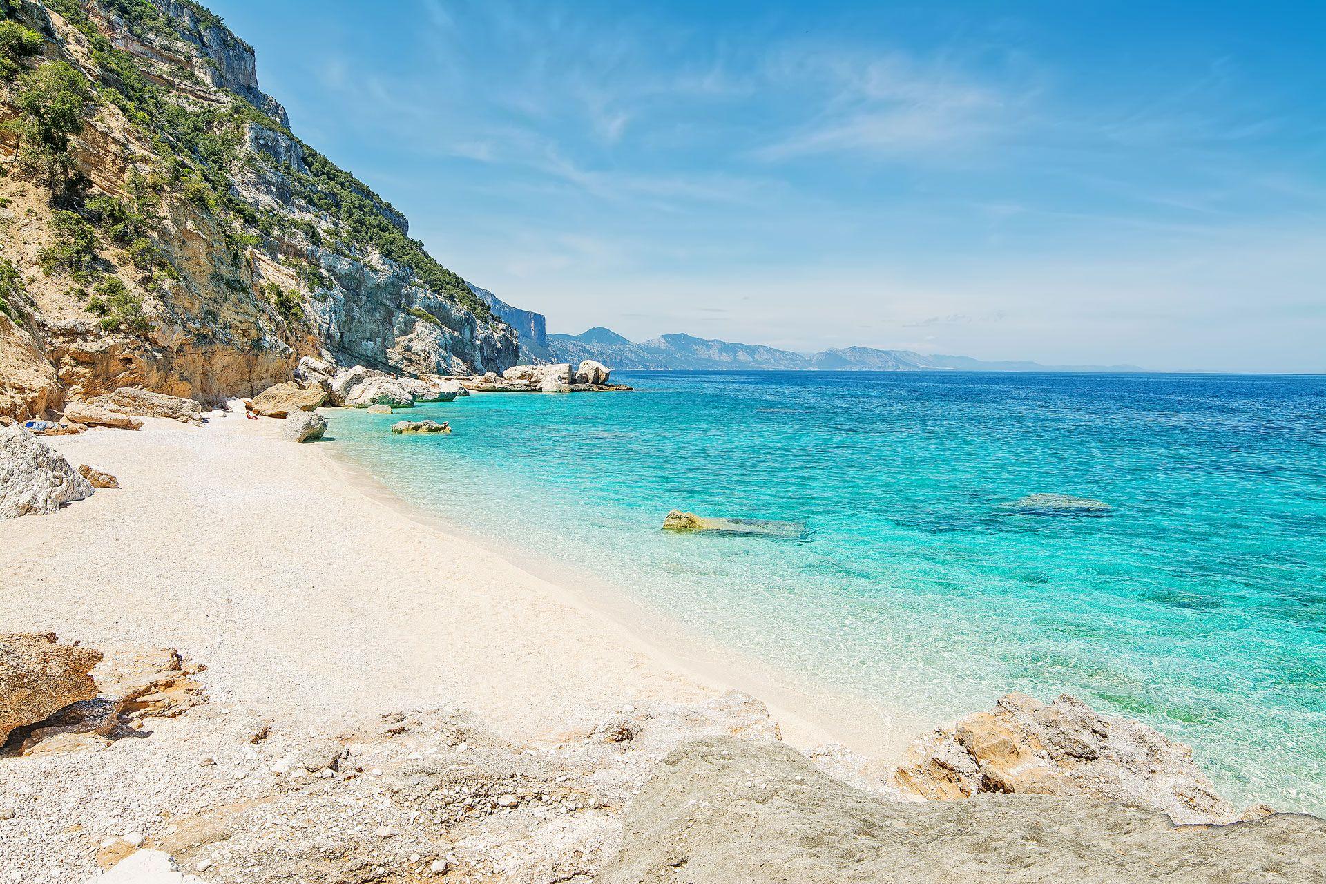Сардиния: красочный остров в Италии фото 3