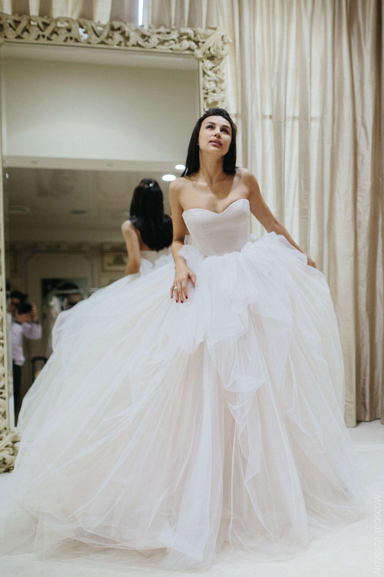 «Королева России» Диана Пегас примеряет образ для испанской свадьбы, фото 5