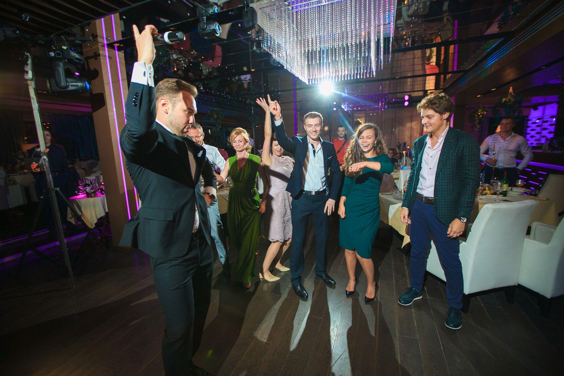 Ведущий Дмитрий Бабаев: «Успех свадьбы зависит от гостей»