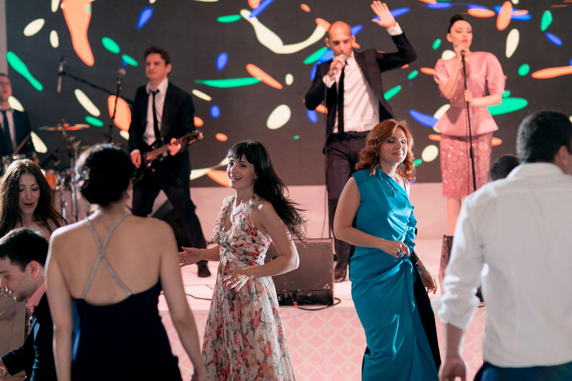 В стиле Guerlain. Свадьба Пако и Амины фото 23