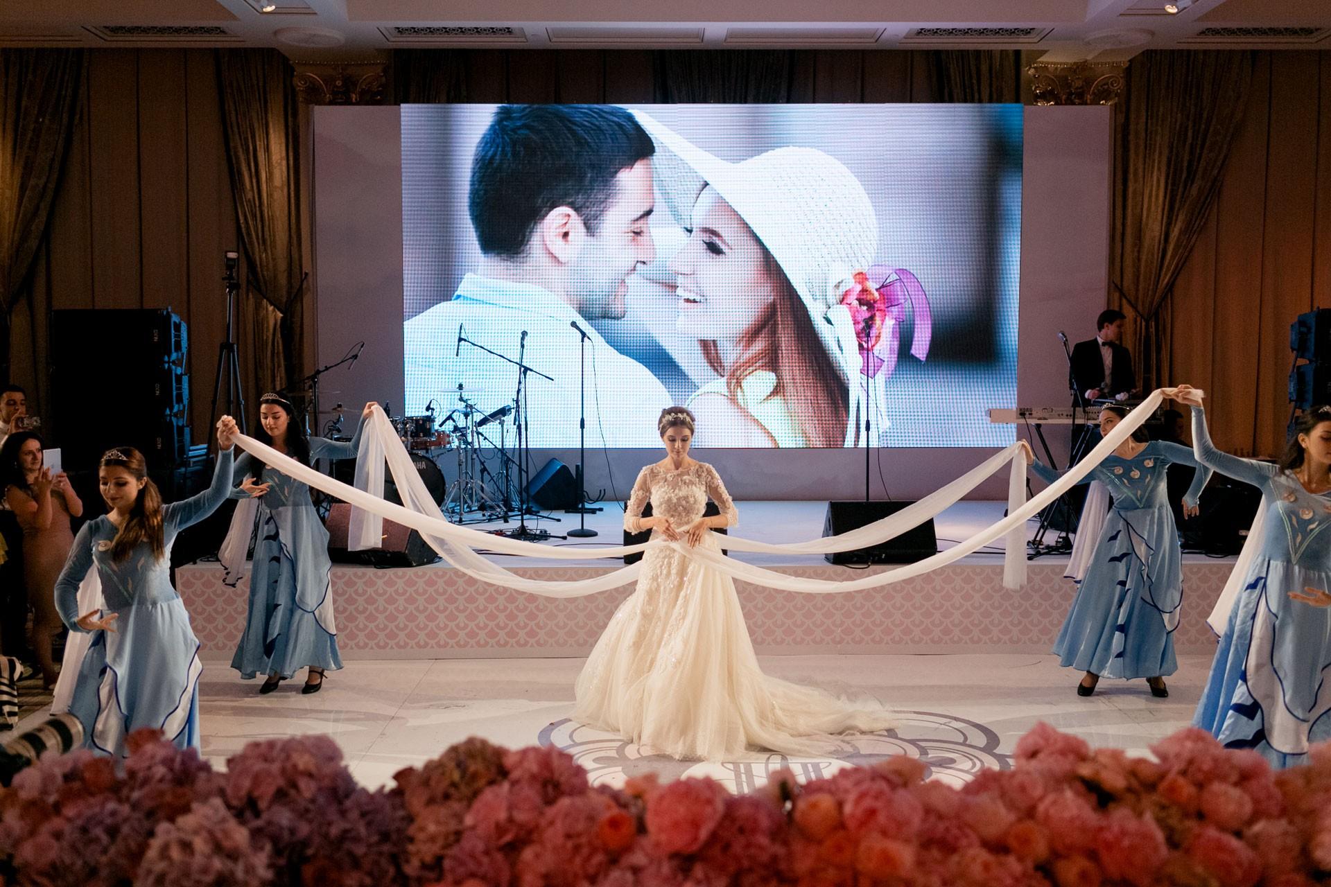 В стиле Guerlain. Свадьба Пако и Амины фото 21