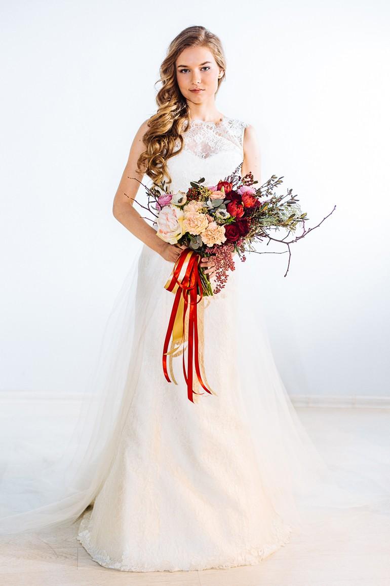 Асимметричный букет для невесты фото 2