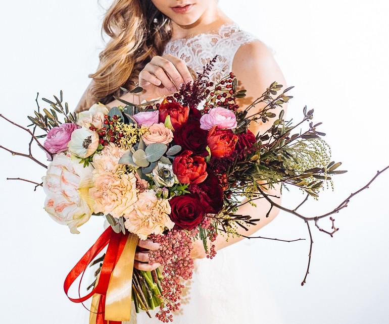 Асимметричный букет для невесты фото 1
