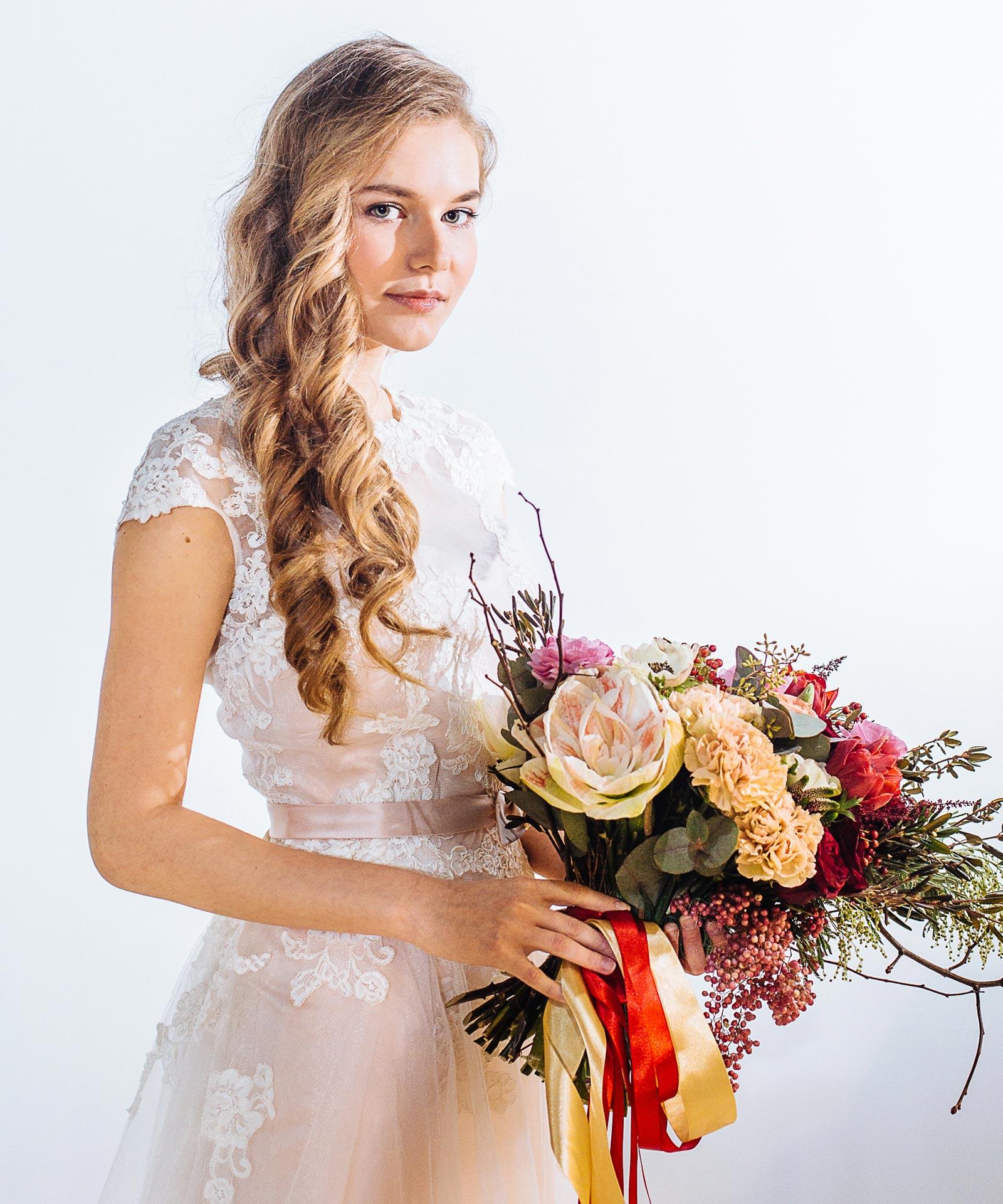 Асимметричный букет для невесты фото 4