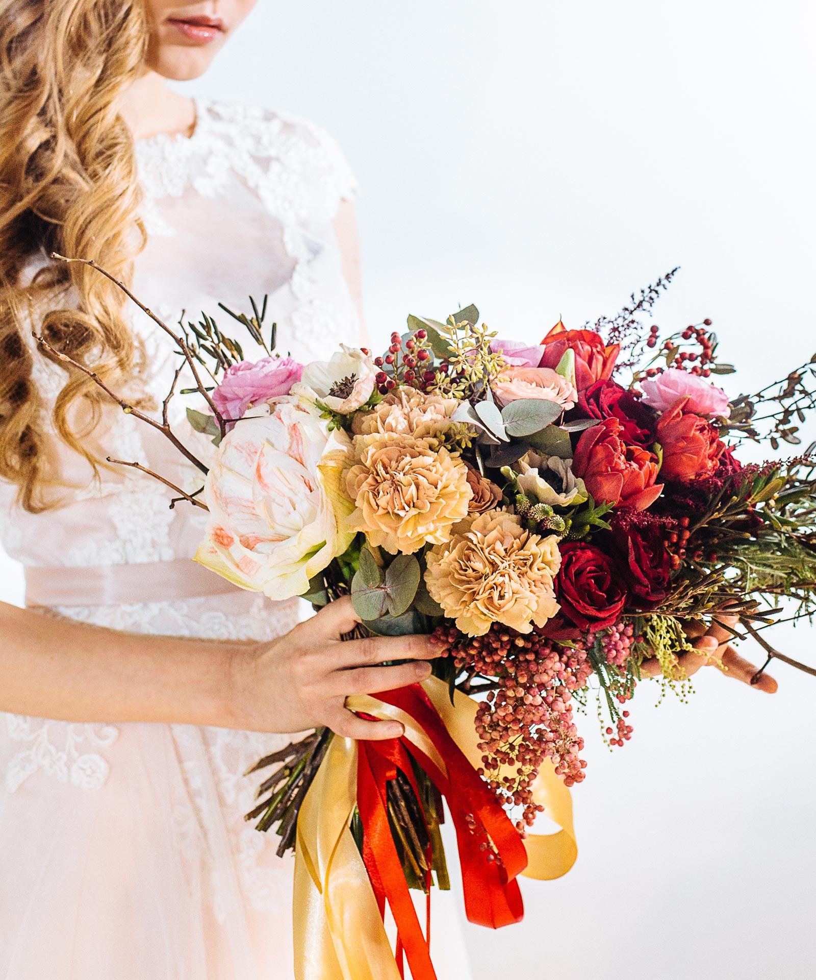 Асимметричный букет для невесты фото 3