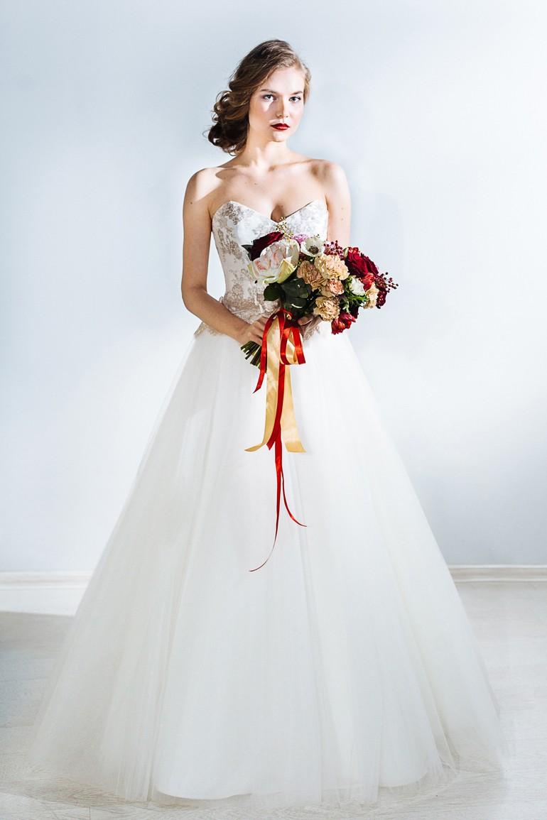 Букет свободной формы для невесты фото 5