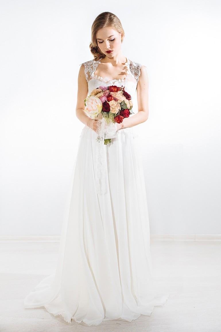 Классический круглый букет для невесты фото 2