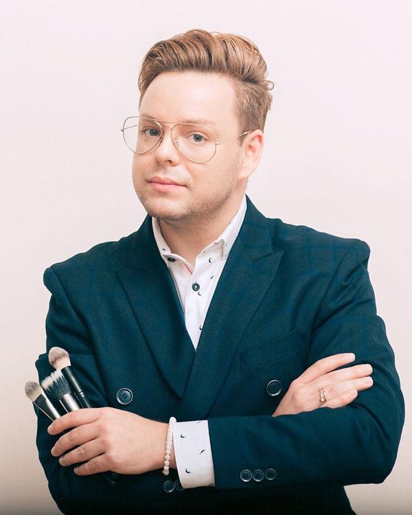 Стилист Андрей Лоос