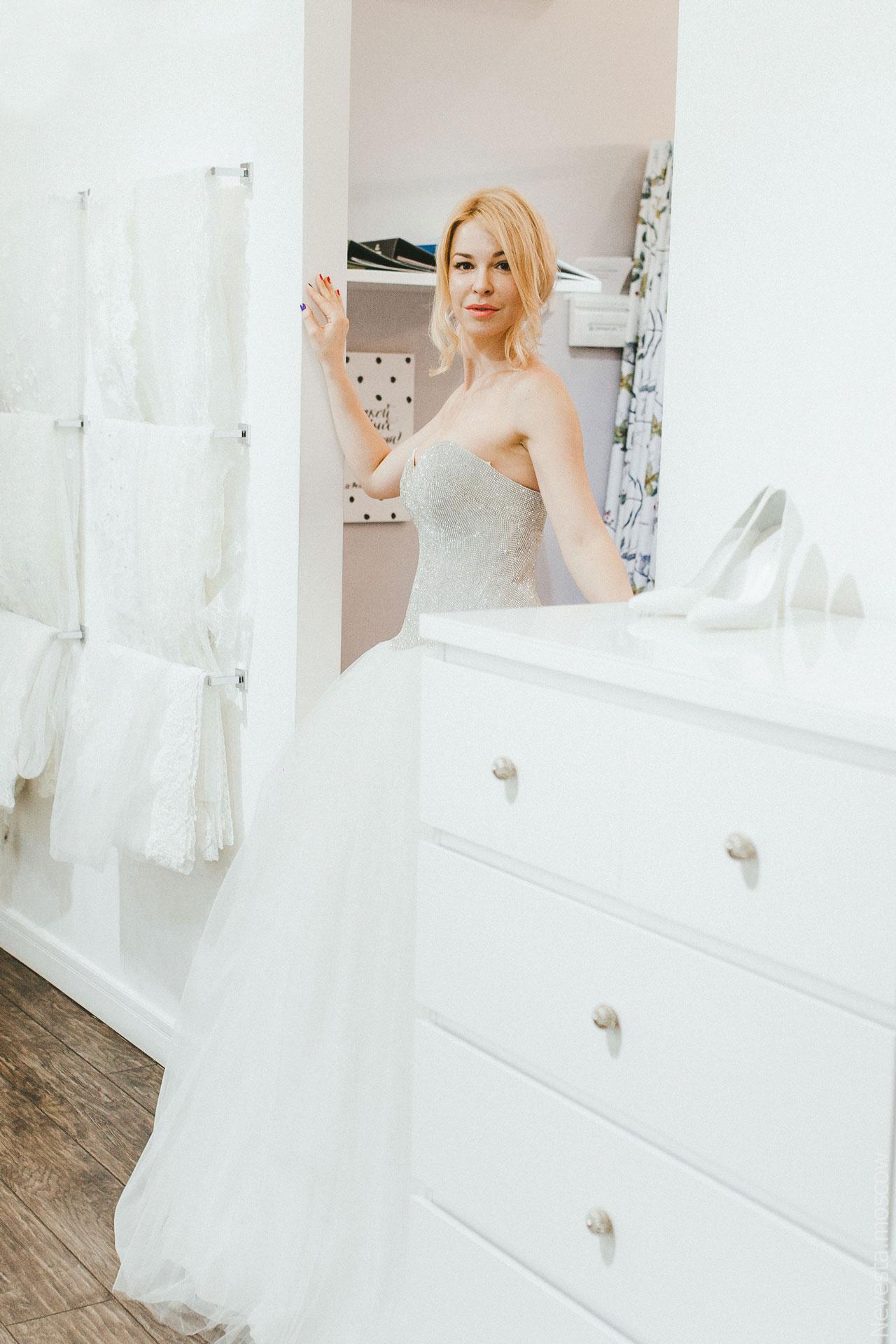 Блоггер Малена Маяковская в образе Золушки фото 11