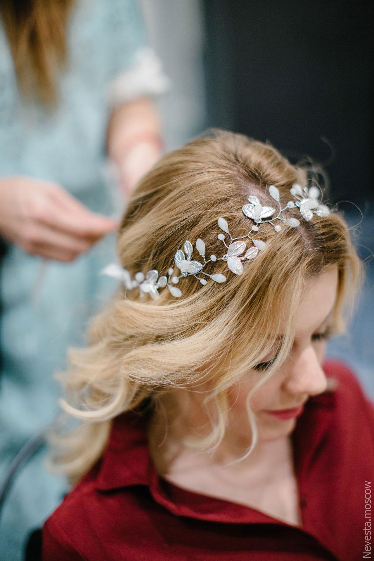 Юлианна Караулова примеряет образ для весенней свадьбы фото 16