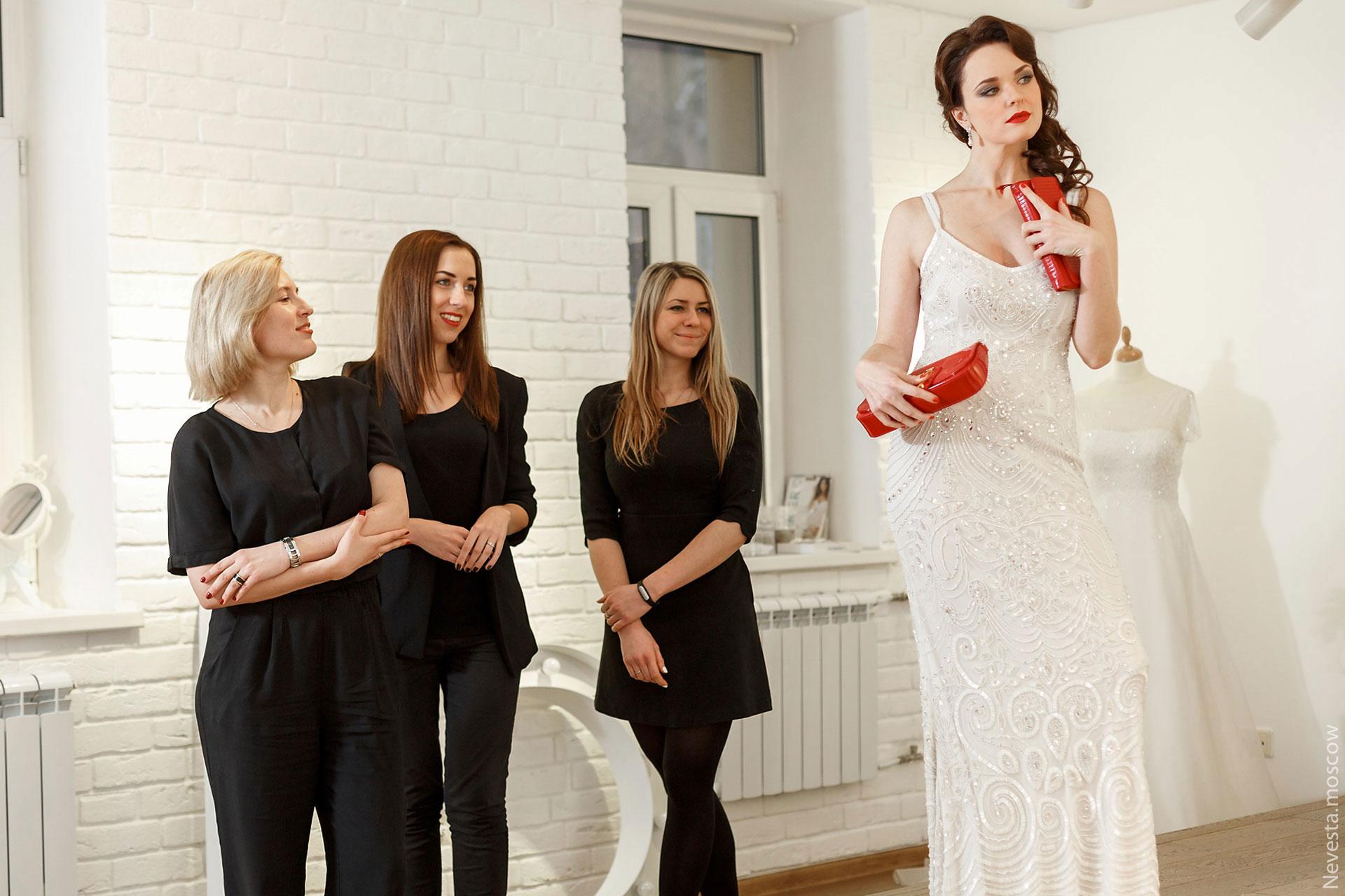 Образ «девушки Бонда» для актрисы Анны Здор