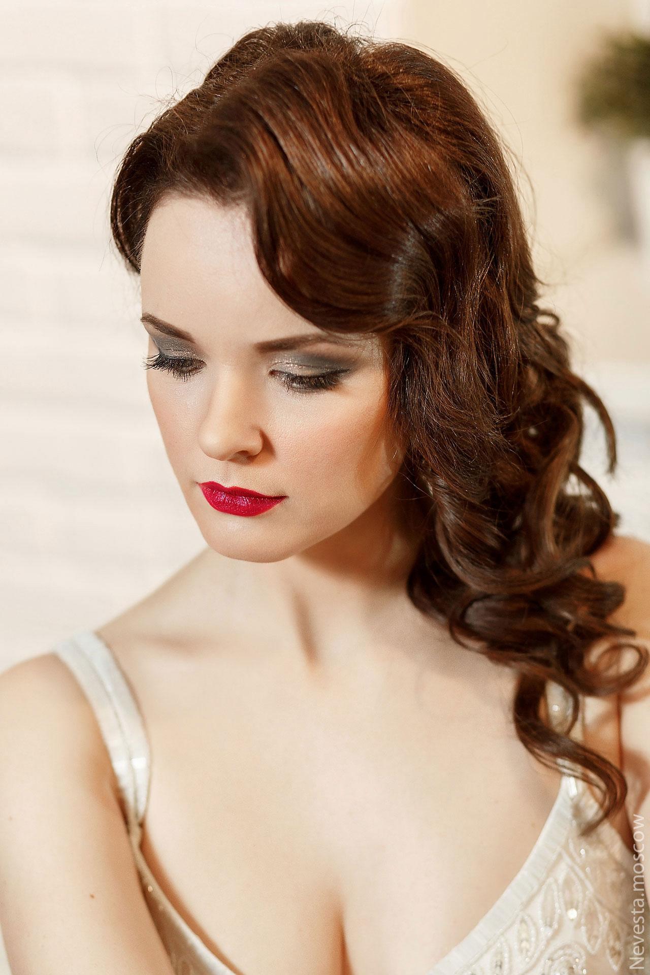 Серые тона, стрелки, свадебный макияж