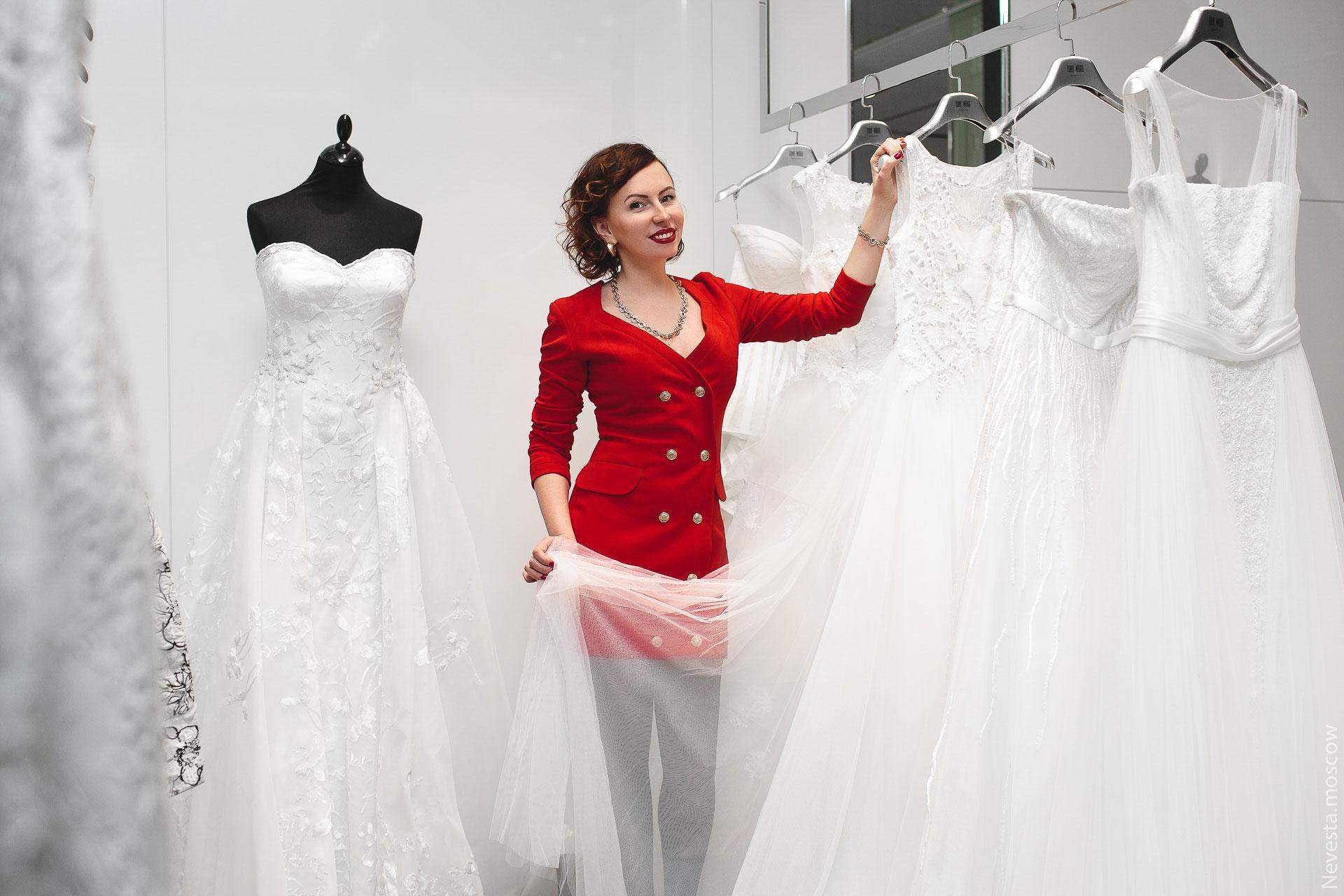 Актриса Ольга Зайцева примеряет свадебное платье фото 6