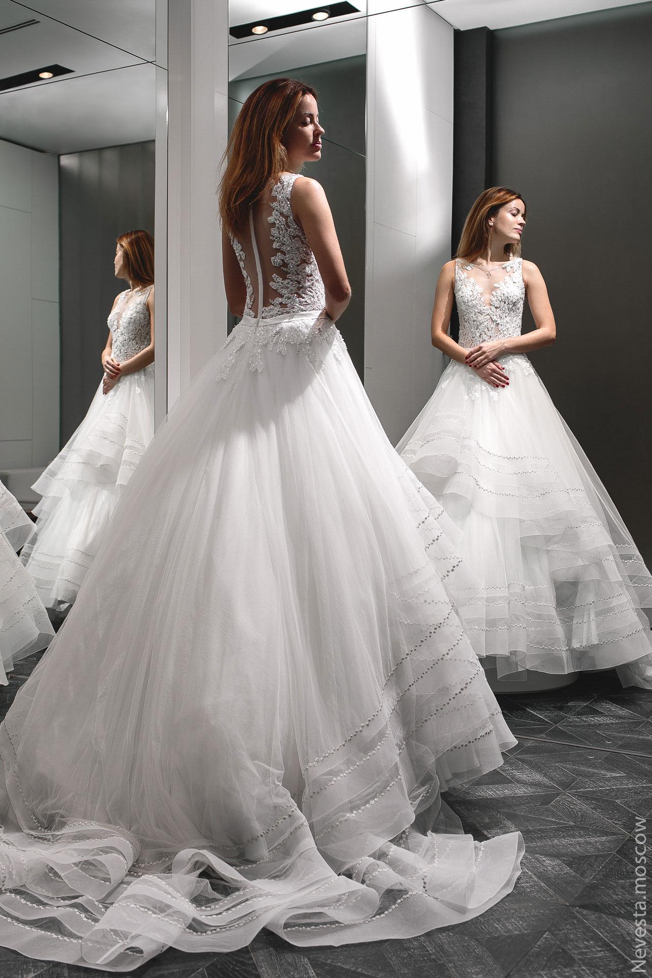 Актриса Ольга Зайцева примеряет свадебное платье фото 2