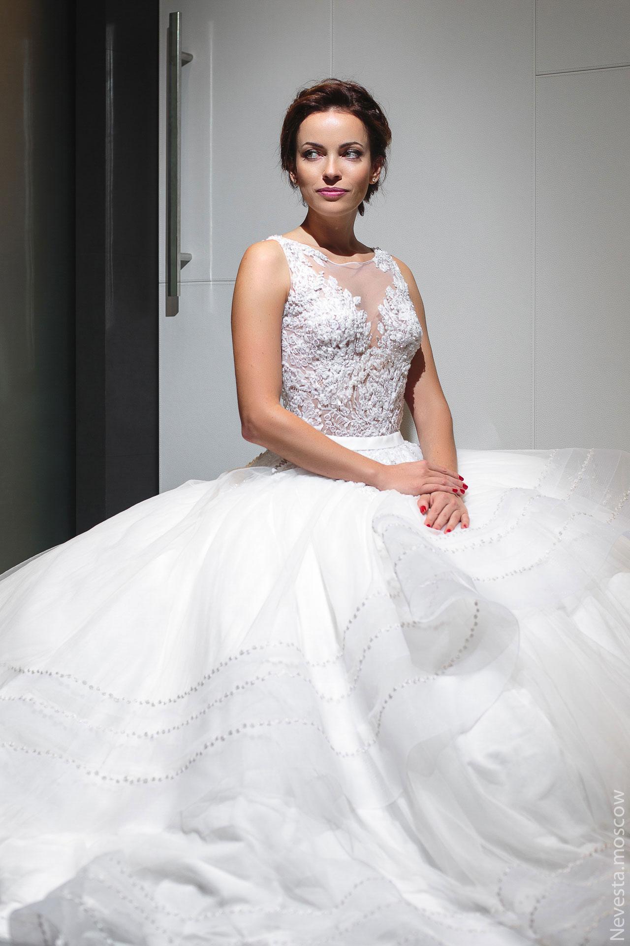 Актриса Ольга Зайцева примеряет образ для свадьбы в Альпах фото 2