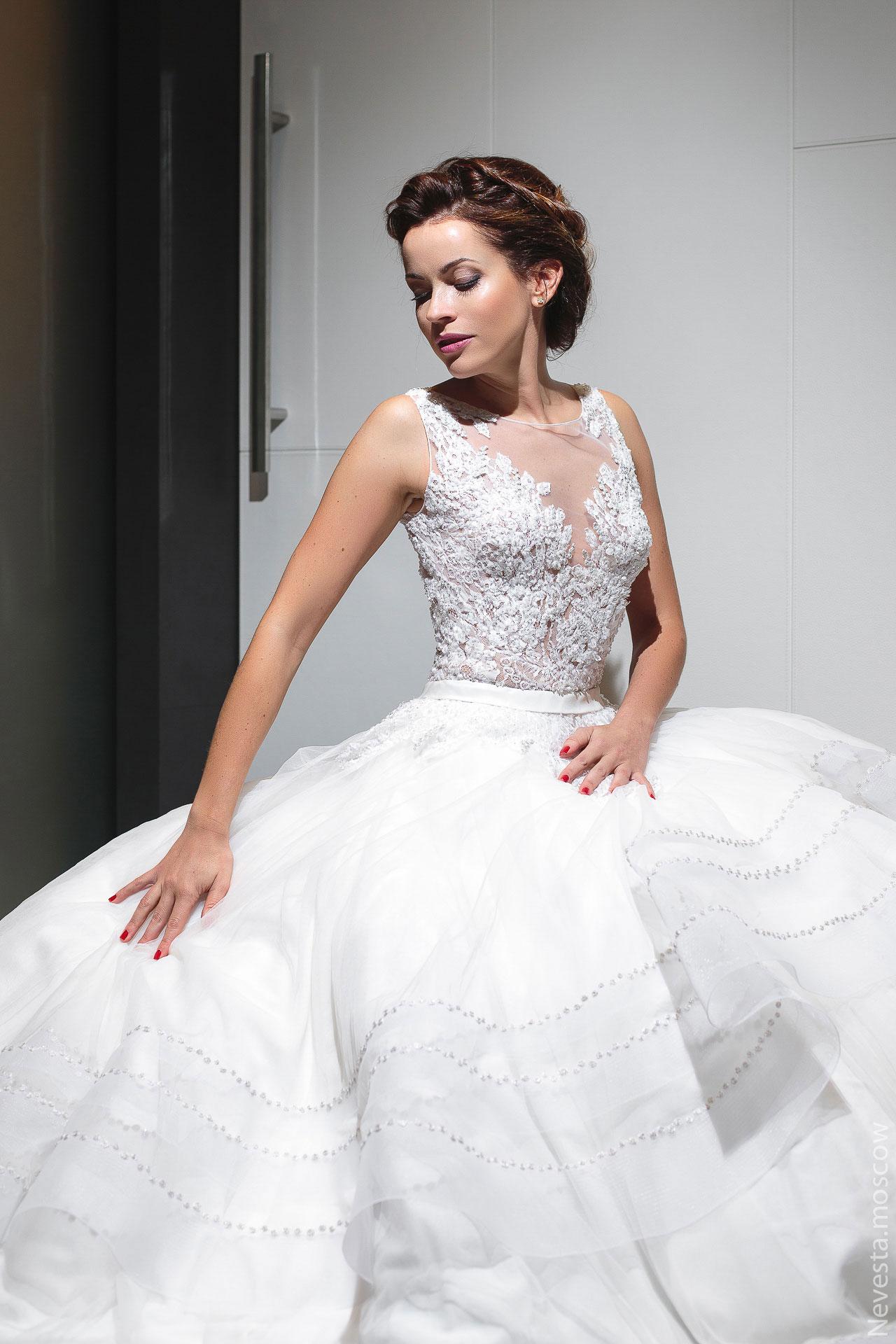 Актриса Ольга Зайцева примеряет образ для свадьбы в Альпах фото 3