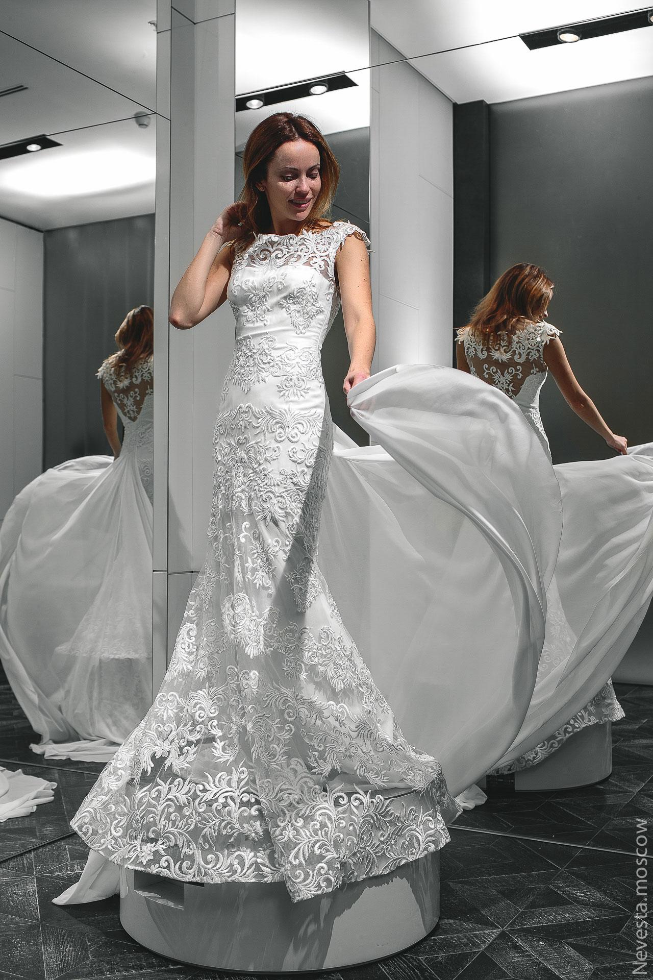 Актриса Ольга Зайцева примеряет свадебное платье фото 3