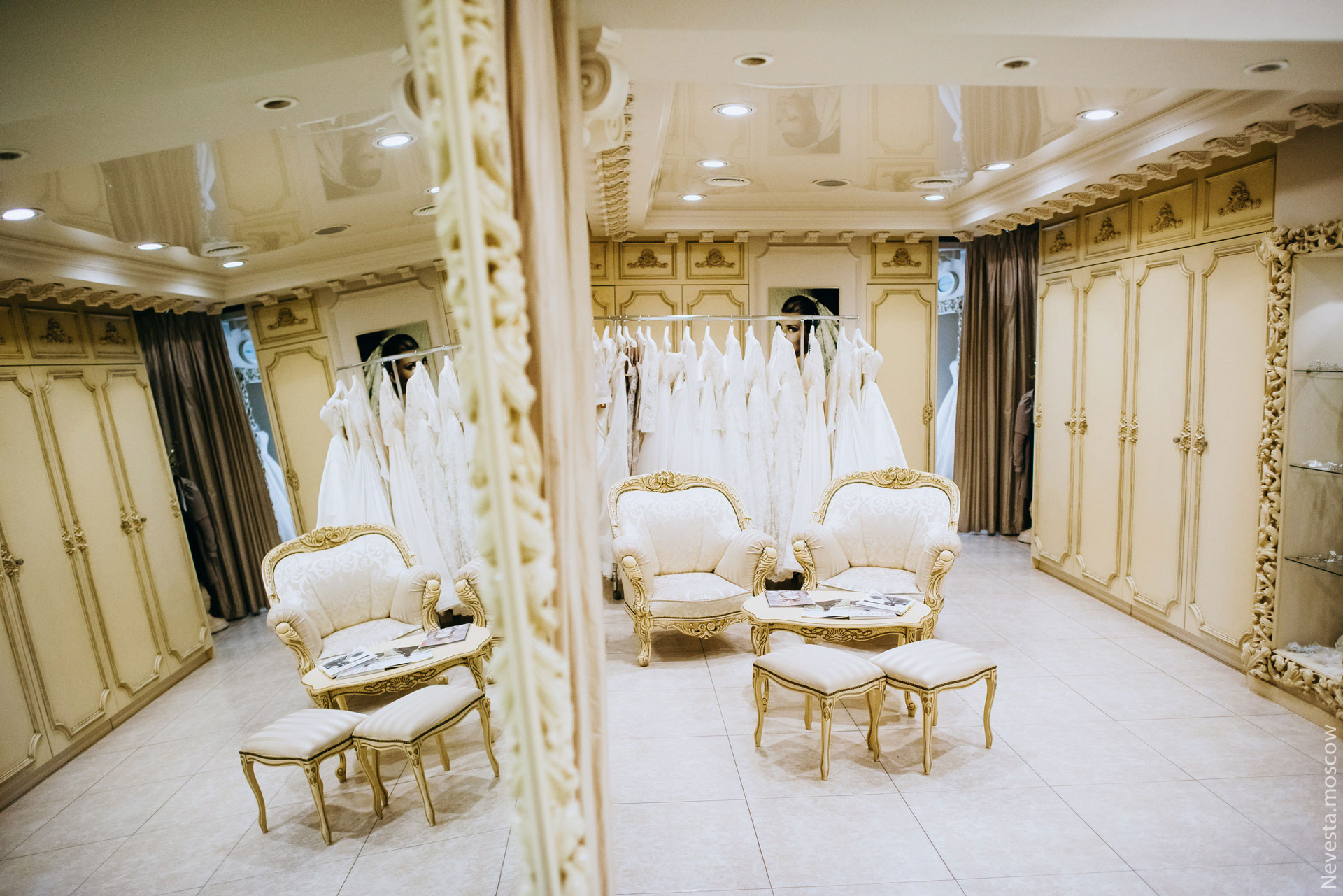 Корнелия Манго невеста свадьба выбор платья фото 15
