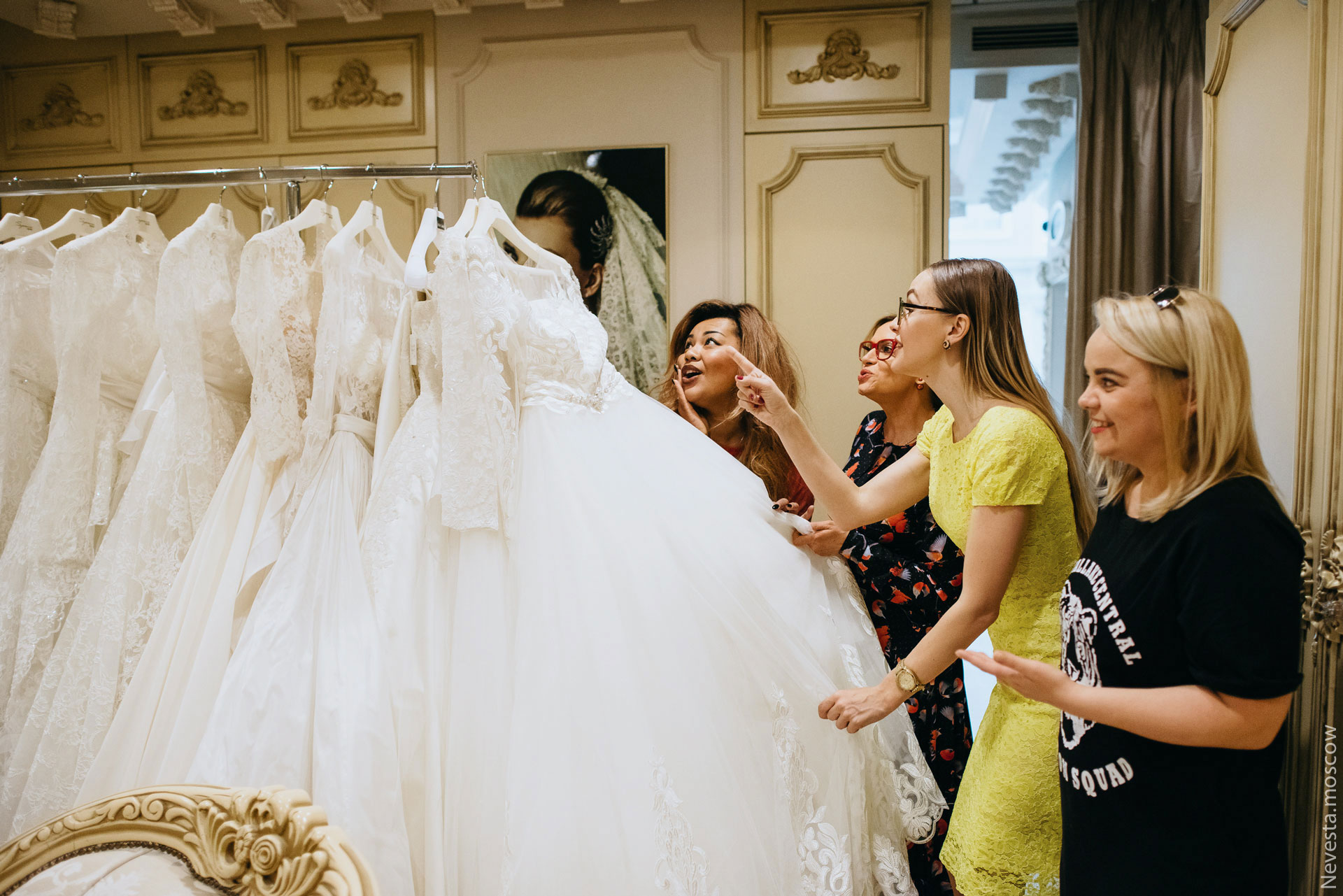 Корнелия Манго невеста свадьба выбор платья фото 19