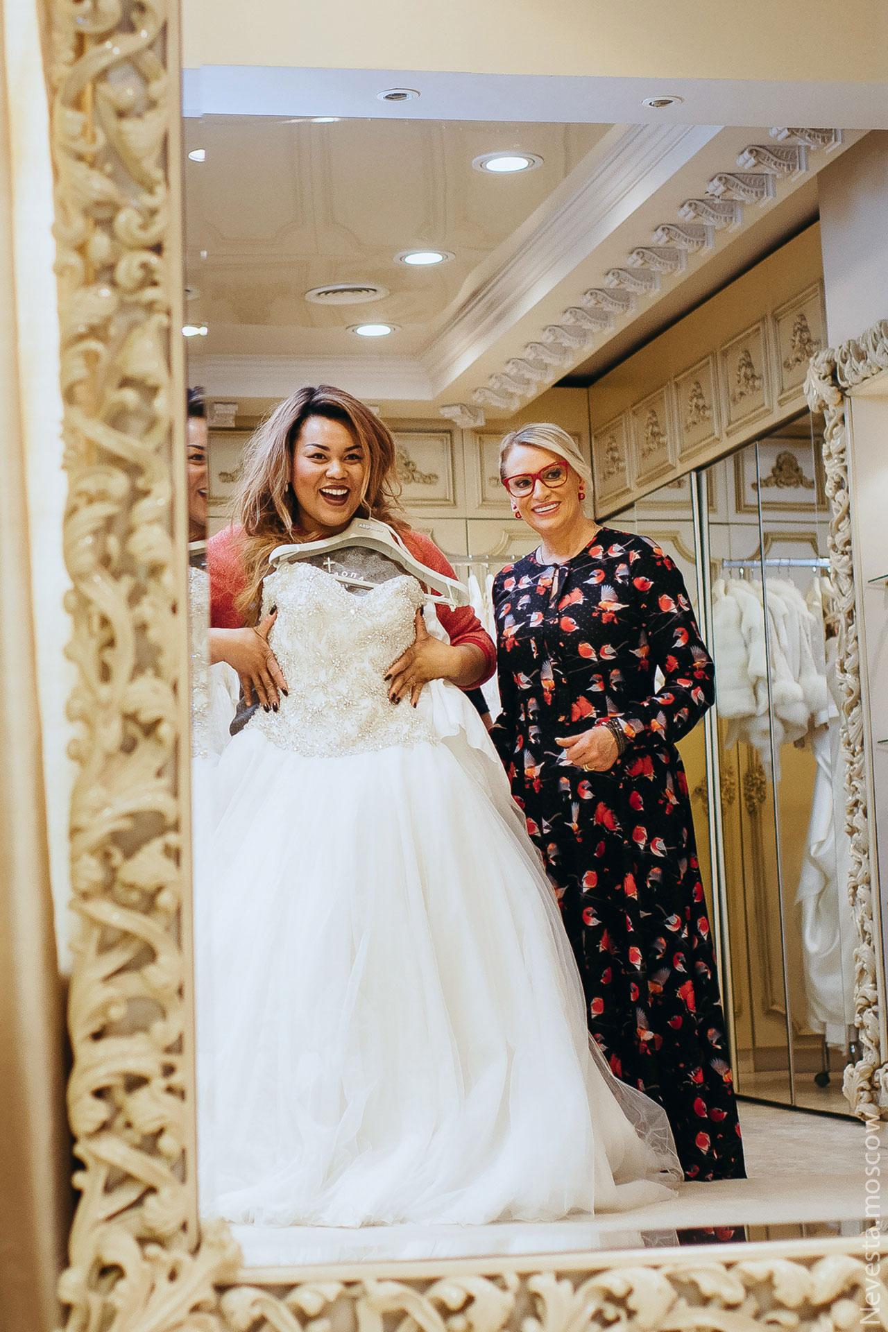 Корнелия Манго невеста свадьба выбор платья фото 3