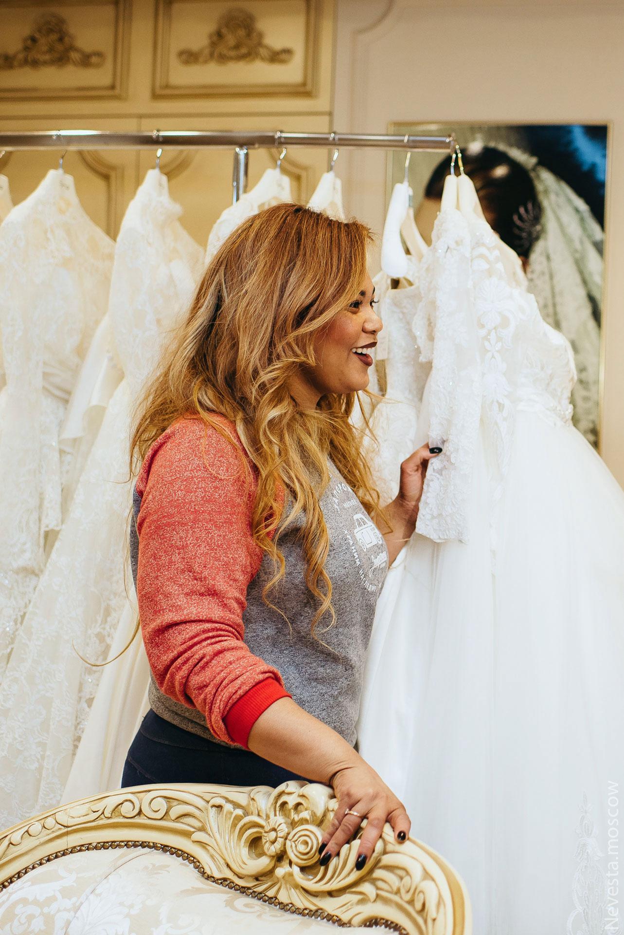 Корнелия Манго невеста свадьба выбор платья фото 16