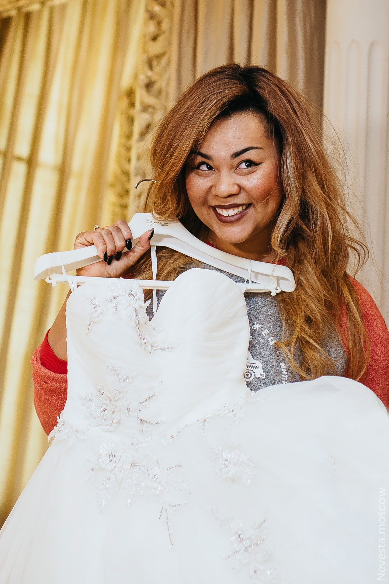 Корнелия Манго невеста свадьба выбор платья фото 6