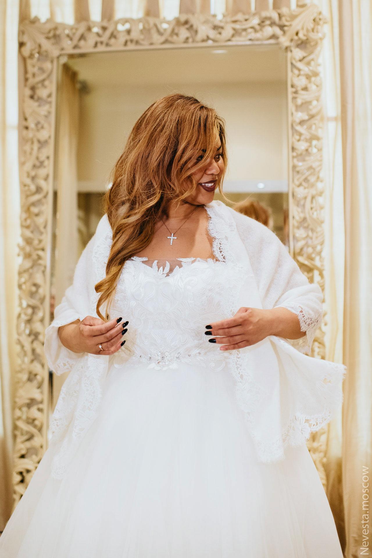 Корнелия Манго невеста свадьба выбор платья фото 20