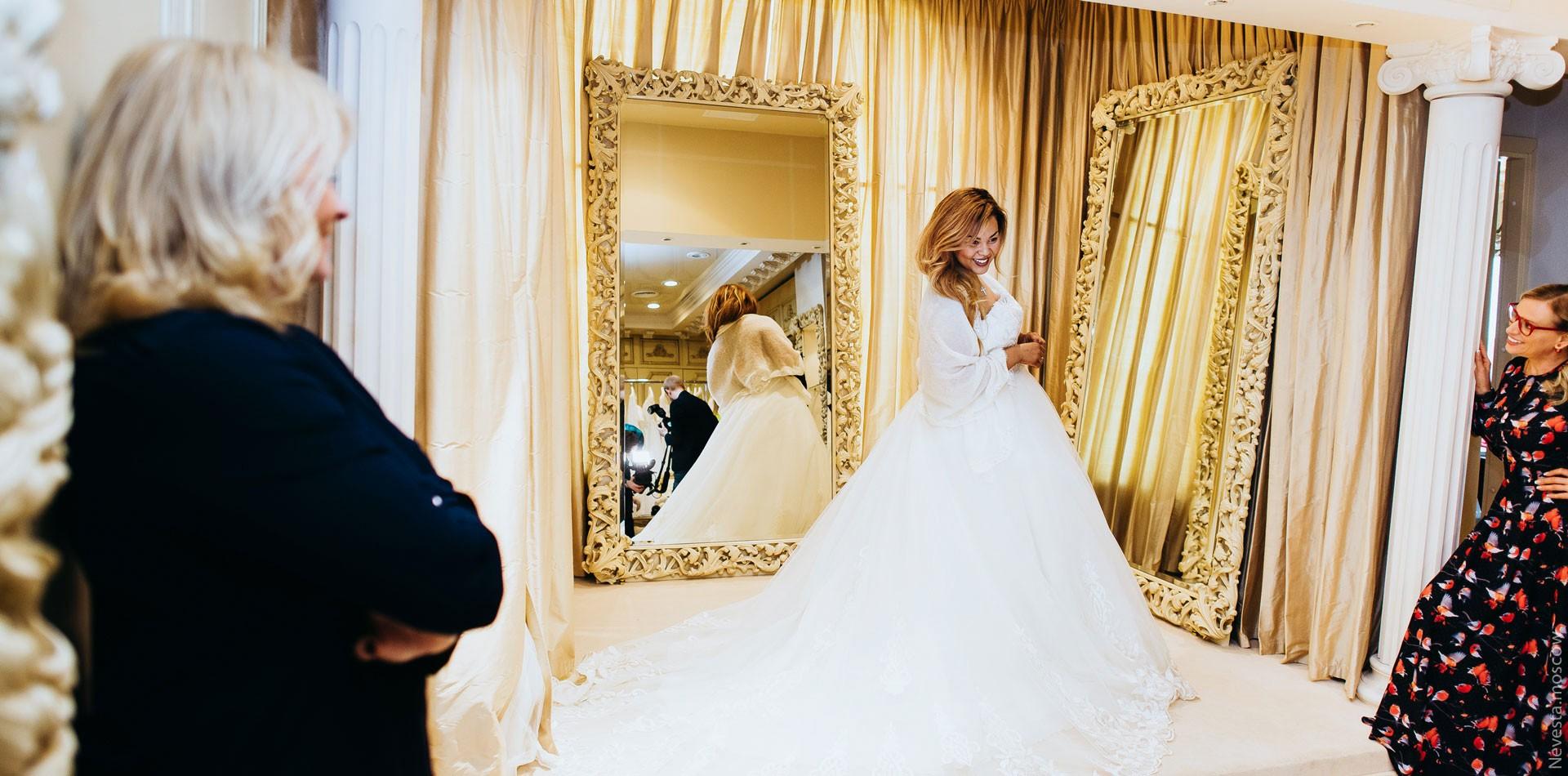 Корнелия Манго невеста свадьба выбор платья фото 9