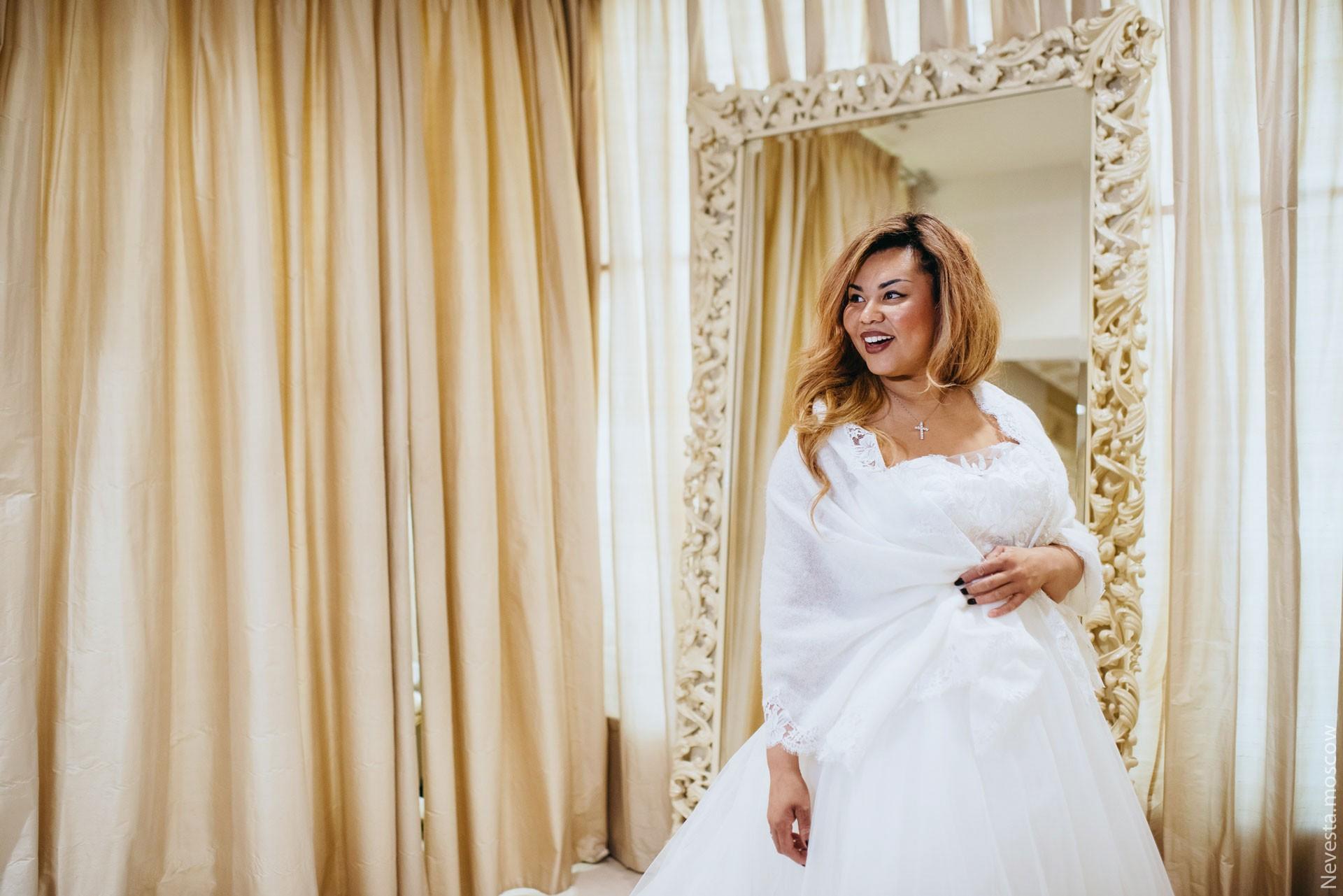Корнелия Манго невеста свадьба выбор платья фото 11