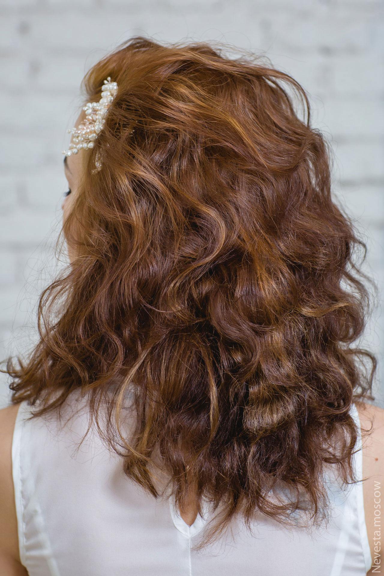 Прическа: небрежные локоны образ невесты